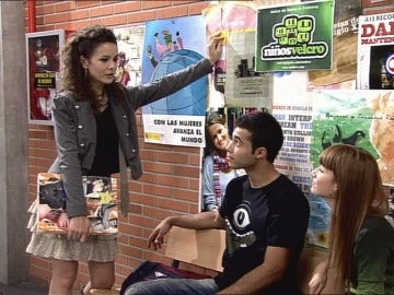 Alma habla con Román y Ruth
