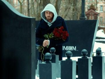 Igor en el cementerio